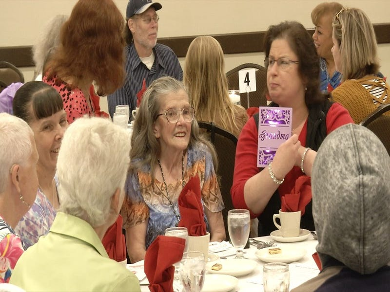Foster Grandparents Honored at Annual Dinner