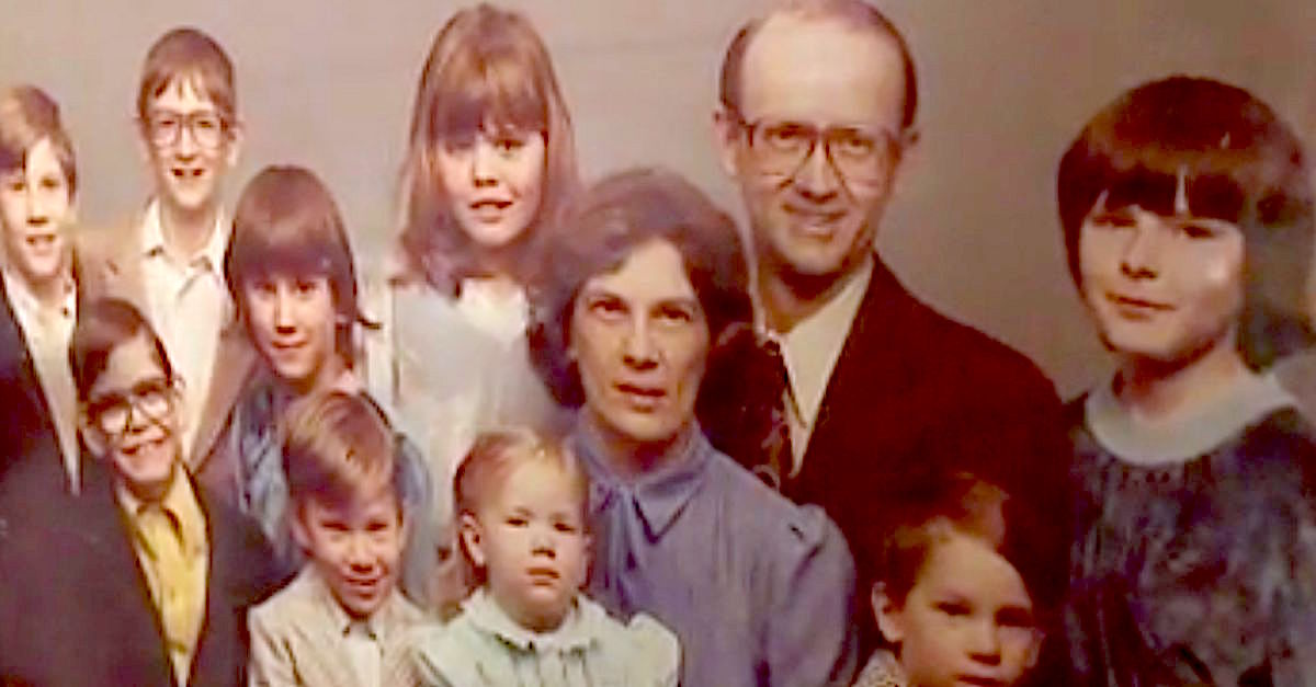 Couple Decides To Foster Baby With Medical Secret, Ends Up Caring For 143 Kids In Their Home
